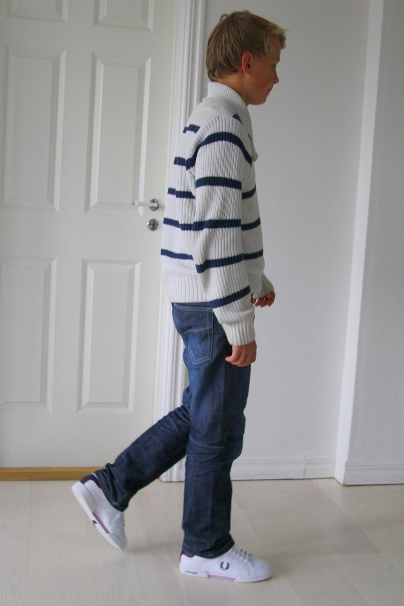 Och idag fastnade en väldigt nöjd Jacob i sina NYA skor på bild. 0172f45080048