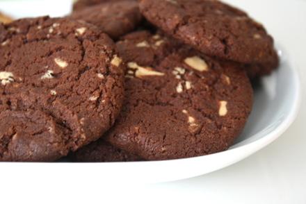 choklad cookies med chokladbitar