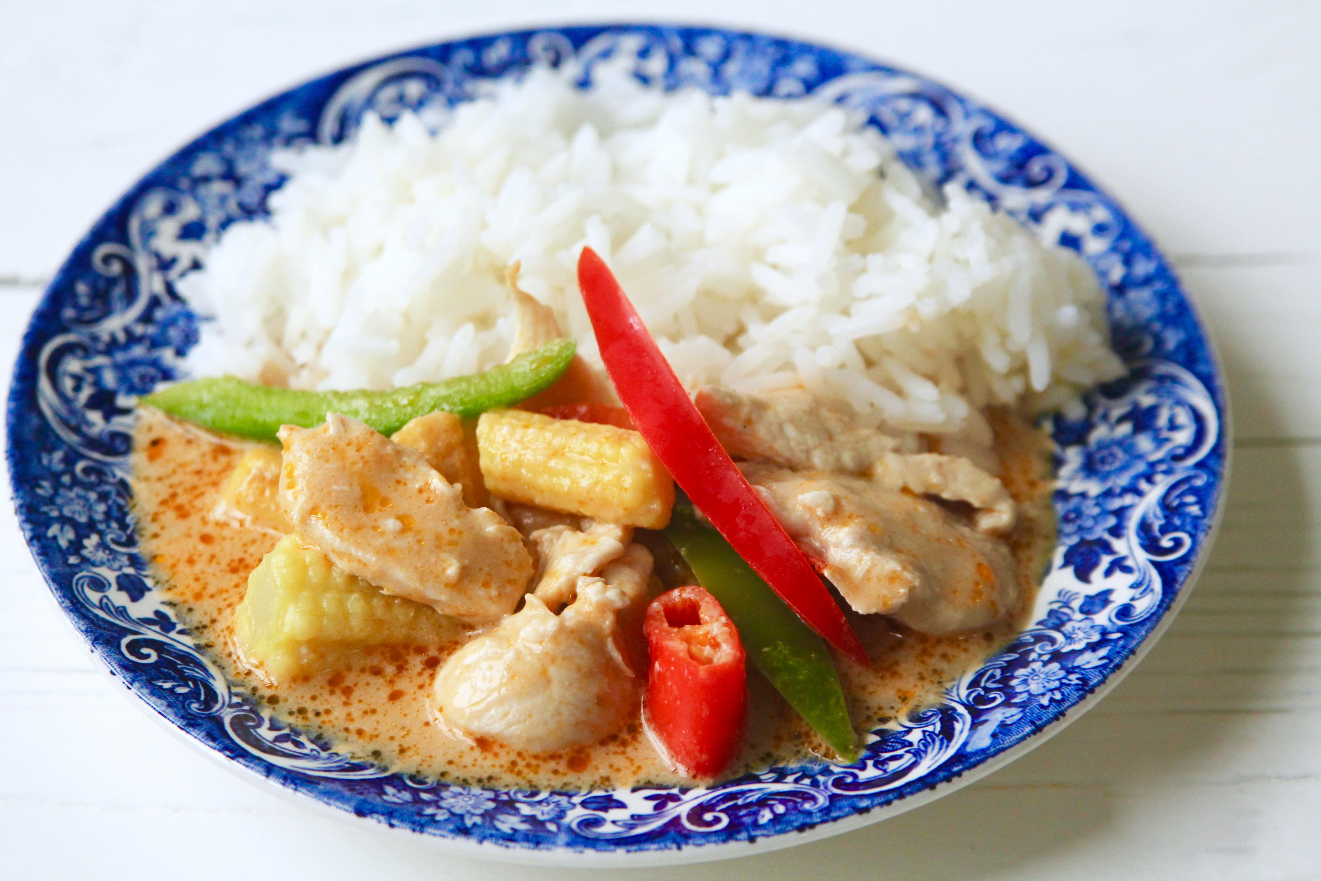 kycklinggryta med kokosmjölk och curry