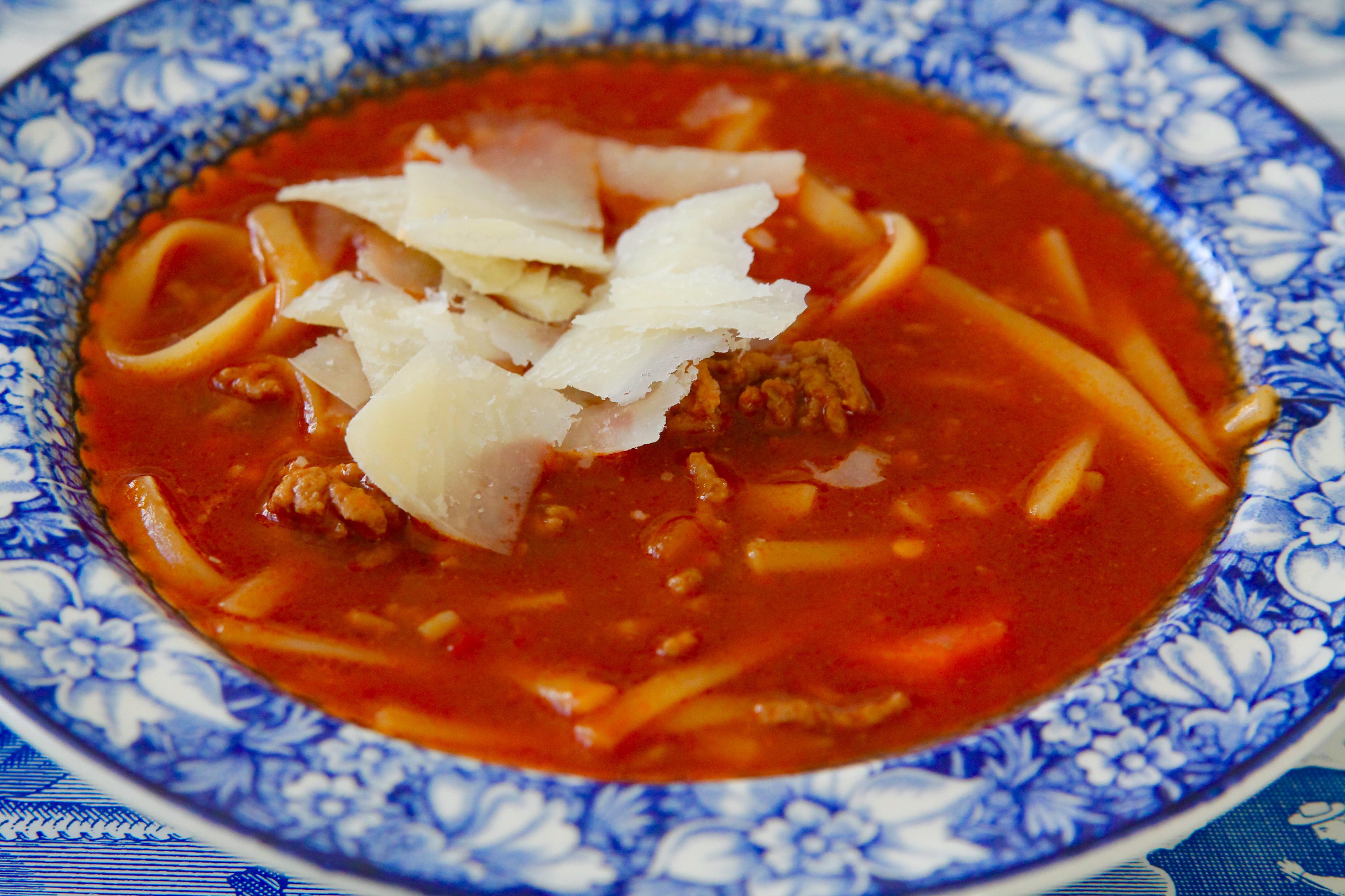 soppa med pasta och köttfärs