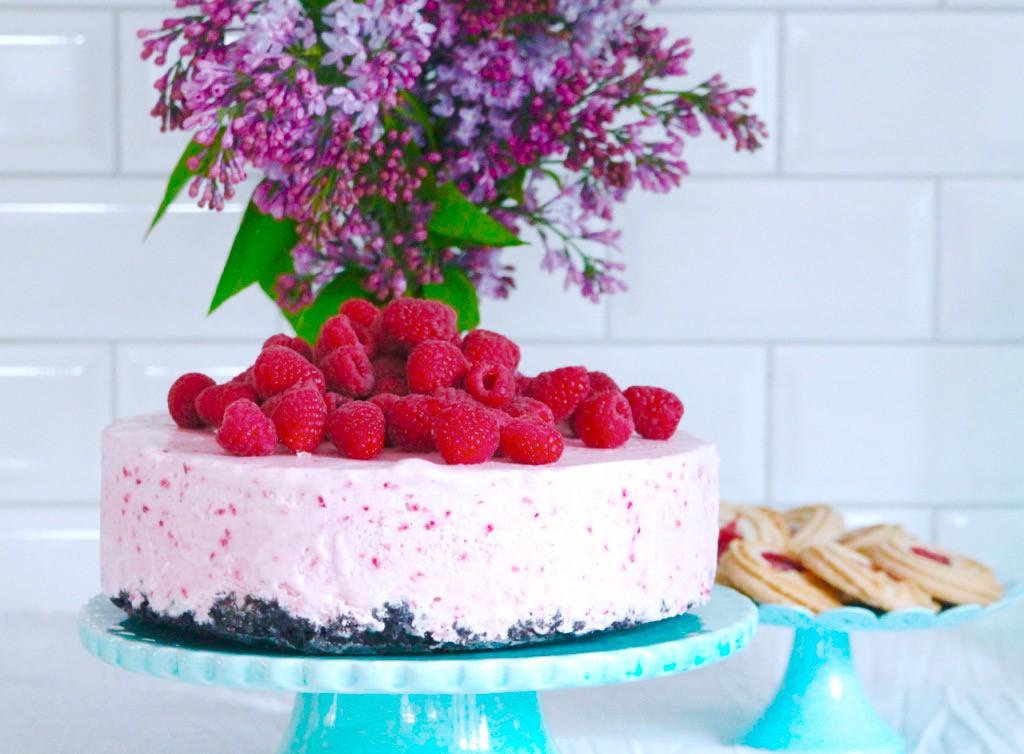 cheesecake med hallon recept